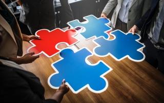 原生廣告的特色在於廣告和內容的配合。